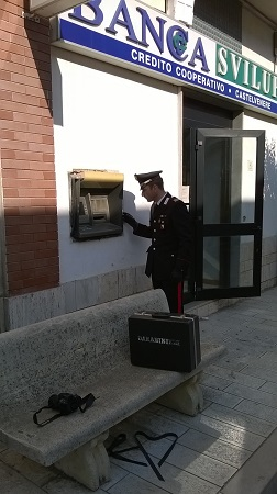 A Castelvenere rubano dal bancomat di una banca