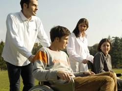 Operatore Socio Assistenziale (O.S.A.). Eu Team Soc. Coop. a r.l. di Benevento: aperte le iscrizioni  per i seguenti due corsi: O.S.S. (durata 400 ore)