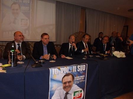 Mastella presenta la sua candidatura ma avverte, dopo l'europee, occorre rivedere qualcosa in Giunta Regionale