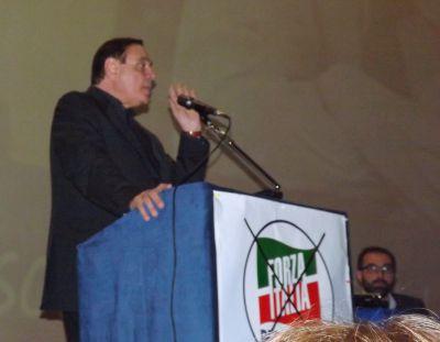 Mastella chiude la campagna elettorale con un lungo monologo