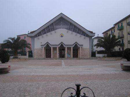 Alla parrocchia S.S.Addolorata va via Don Michele Villani ed arriva Don Gaetano Ilenge Kilumba Papa
