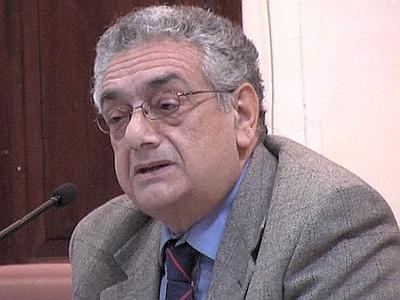 La dichiarazione di Aniello Cimitile sulla vertenza dei lavoratori dei Consorzi rifiuti