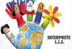 """Scuola La Tecnica (Lis) di Benevento organizza un """"flash mob"""" per il riconoscimento della figura dell'interprete e dell'assistente alla comunicazione della Lingua dei Segni italiana (LIS)."""