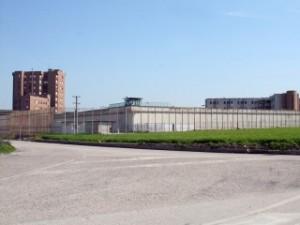 Carcere di Capodimonte (Benevento): detenuto aggredisce un poliziotto penitenziario