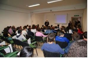 """Pietrelcina: giorno dell'Unità e festa delle forze Armate.I Carabinieri incontrano gli studenti della scuola media statale """"Francesco Paga"""""""