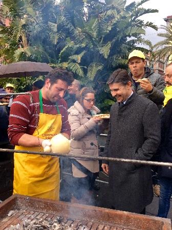Coldiretti, gli allevatori in piazza contro l'omologazione a sostegno del latte italiano e dell'agricoltura distintiva.