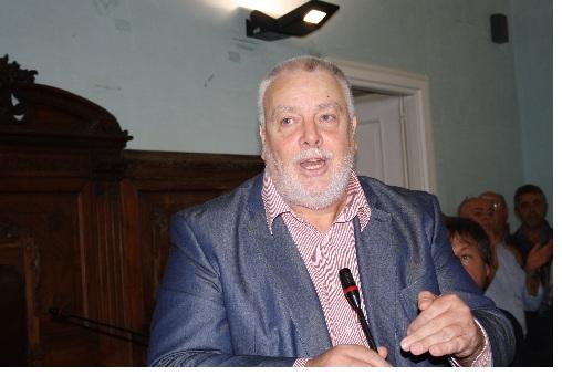 Ricci si congratula con  il rettore dell'Unisannio Filippo De Rossi