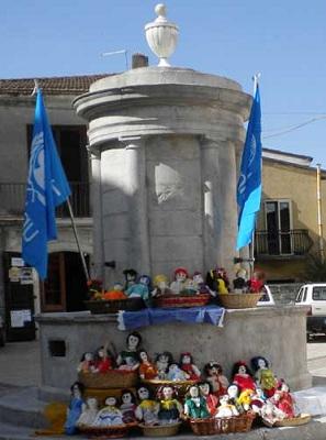 Unicef, domenica delle Palme a Circello anche quest'anno il progetto delle vaccinazioni mediante l'adozione delle Pigotte.