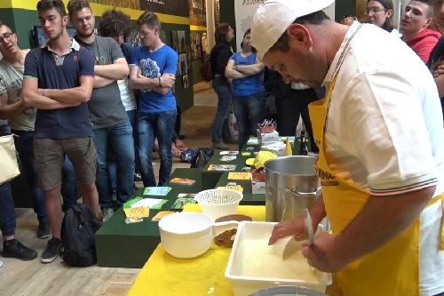 La Campania torna ad EXPO con la Mozzarella di Bufala