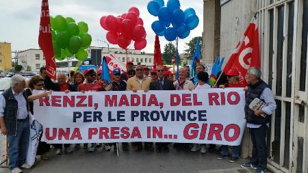 Anche la Uil alla manifestazione sulla vertenza province al Giro d'Italia