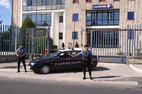 Benevento: napoletano ruba un auto investendo il proprietario