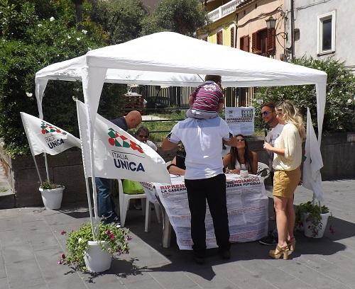 Italia Unica Benevento: buona la affluenza al gazebo al Corso Garibaldi