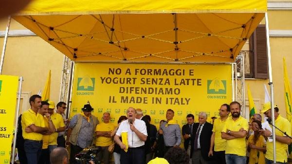 Formaggi senza latte, Coldiretti Campania lancia la petizione online