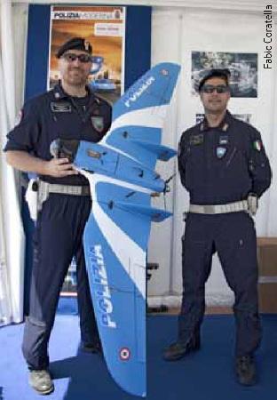 Droni: nel numero di Luglio di Polizia Moderna e di normativa aeronautica spiegano, quali sono i requisiti  indispensabili per l'utilizzo