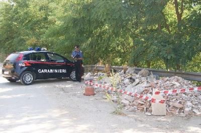 Reati Ambientali: i Carabinieri sequestrano alcune aree per inquinamento da rifiuti a Pesco Sannita e Paduli