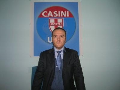 Anche Mario Villani  (Udc) bacchetta duramente Oberdan Picucci ricordandogli i manifesti che lo ritraevano con la scritta traditore
