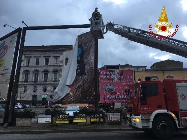 Vento Forte alberi caduti: al lavoro i Vigili del Fuoco di Benevento per oltre 40 interventi