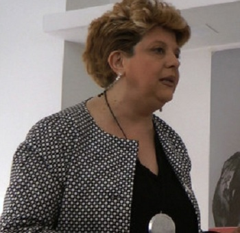 """Biblioteca a Palazzo Paolo V. Vittoria Principe:""""Arroganza e supponenza sul regolamento"""""""