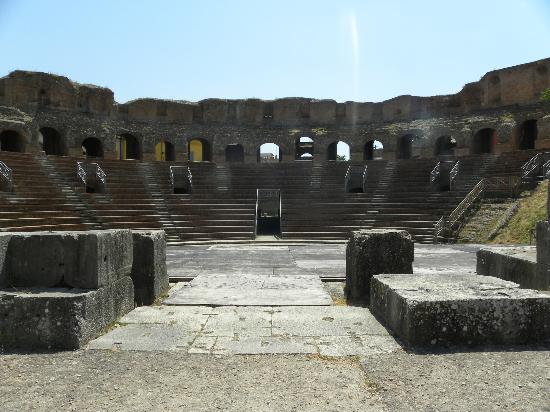 Anche il Sindaco Mastella presenzierà l'inizio dei lavori di ripulitura del Teatro Romano