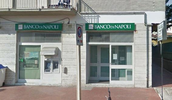 Benevento : Rapina al Banco di Napoli di Via Santa Colomba