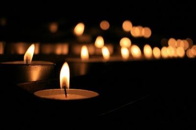 Commemorazione dei Defunti, come richiedere l'autorizzazione per vendere piante, fiori, ceri e lumini votivi sulle aree pubbliche