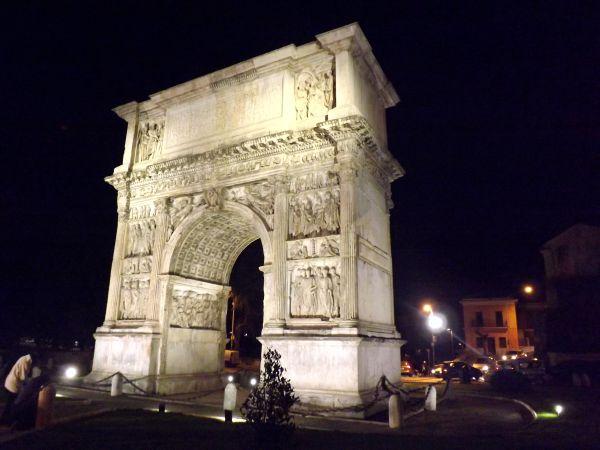 Unifortunato. L'Arco di Traiano e Benevento. Storia, Società e Tradizioni