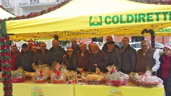 Campagna Amica Christmas. Coldiretti Benevento inaugura la versione Natalizia dei mercati a Km zero.