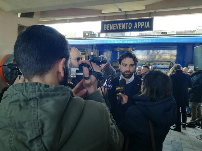 """""""La tratta ferroviaria Benevento – Napoli via Valle Caudina ha da questa mattina un nuovo treno."""