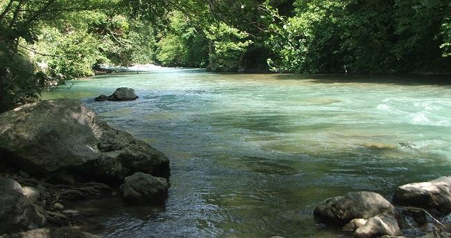 """Inquinamento Ambientale.Operazione""""Flumina 2. Sostanze inquinanti nei fiumi: Sequestrati dalla Forestale diversi scarichi."""