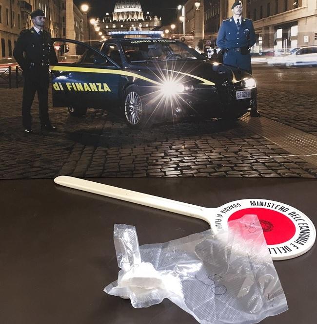 Detenzione ai fini di spaccio: arrestata dalla Guardia di Finanza una cittadina napoletana.
