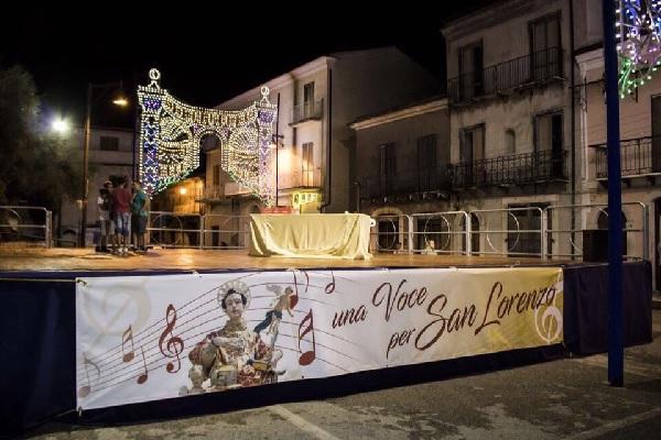 """San Lorenzo Maggiore, successo per """"Una voce per San Lorenzo"""""""