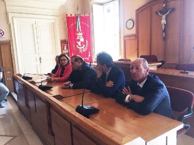 Benevento. Il sindaco Mastella ha incontrato stamani i lavoratori interinali utilizzati dall'Asia Spa