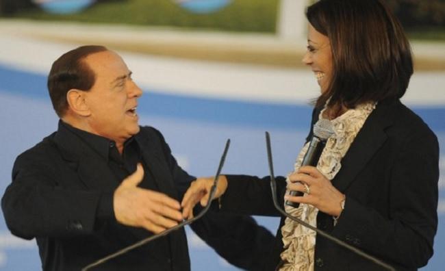 """Asia Argento attacca Berlusconi, Nunzia De Girolamo:""""Follia, Lei via dall'Italia? Buon Viaggio"""""""