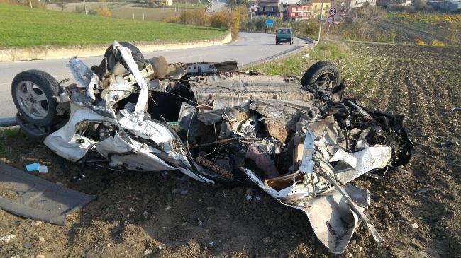 Pietrelcina. Località Taverna Rocca: gravissimo incidente di quattro giovani