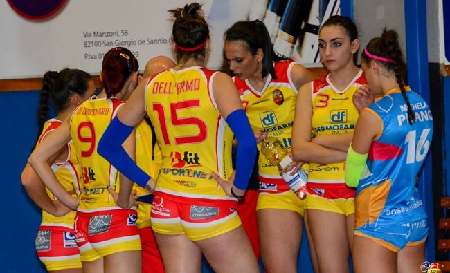 Netta sconfitta contro Orsogna in tre set. Continua il mal di trasferta per l'Accademia Volley.