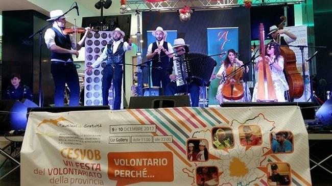 VII festa del Volontariato con la musica Rom di Alexian Santino Spinelli.