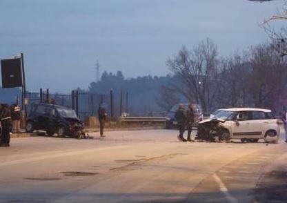 Quattro feriti in due incidenti stradali questo pomeriggio a Benevento.