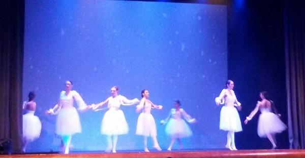 Lo Schiaccianoci. A Benevento Teatro Massimo gremito di spettatori