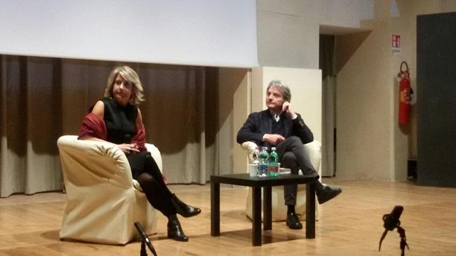 """Presentato a Benevento il libro """"Orgoglio e pregiudizi. Il risveglio delle donne ai tempi di Trump"""""""