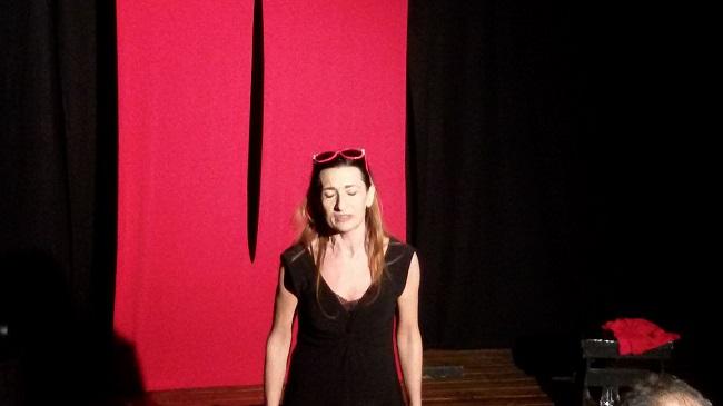 """Il Buco"", monologo esistenziale al Magnifico Visbaal Teatro"