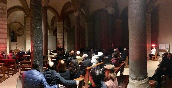 """Rassegna """"Santa Sofia in Santa Sofia"""". Don Mario Iadanza affascina il pubblico conversando sul  'Canto beneventano'"""