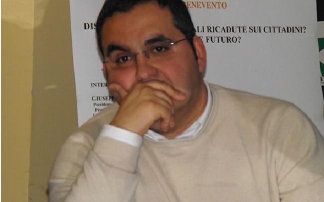 """AltraBenevento : """" De Pierro è in grande confusione e cita delibere inesistenti pur di difendere l'amministrazione Mastella"""""""