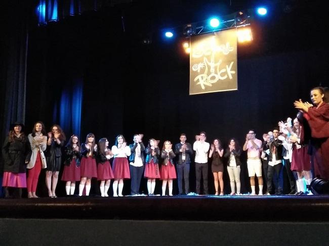 """Accademia di Santa Sofia di Benevento: pienone per il musical """"School of Rock"""""""
