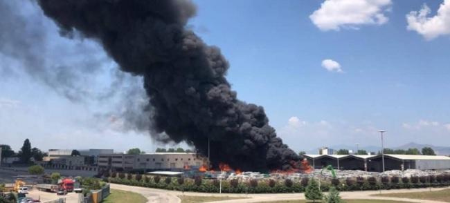 Asia Benevento comunica che eventuali disservizi nella raccolta potrebbero verificarsi a causa dell'incendio del sito di Caivano.
