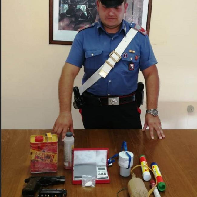Bonea: nell'ambito dei servizi di controllo ritrovate: una pistola, una bomba carta e cocaina.