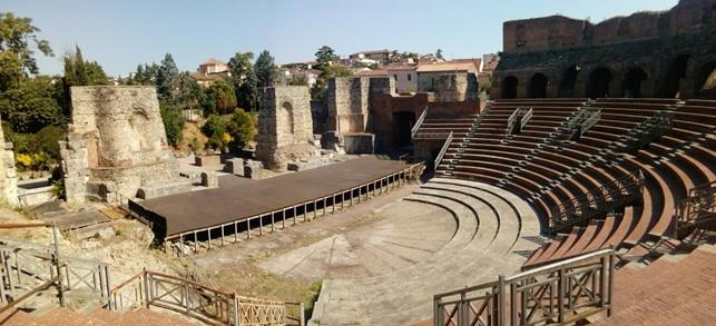 """Al Teatro Romano di Benevento """"Aperitivo in musica"""" sabato 23 febbraio."""