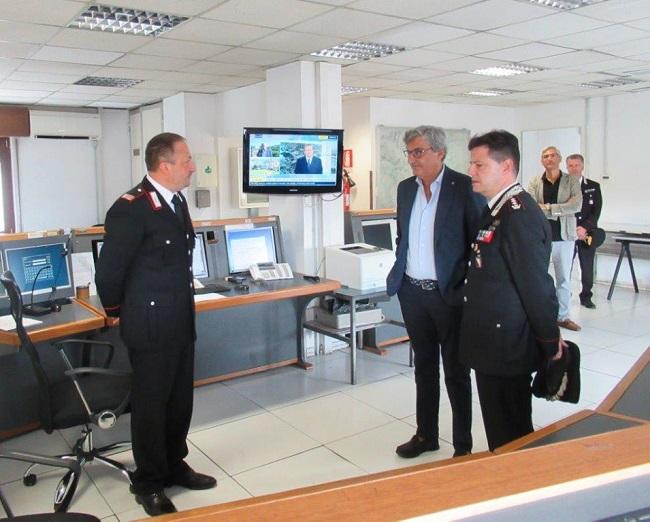 Benevento. A ferragosto il Prefetto di Benevento Cappetta visita la centrale operativa del Comando Provinciale Carabinieri.