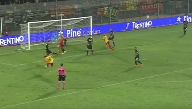 Il Benevento va in gondola in laguna ed affonda il Venezia. Venezia 2 Benevento 3