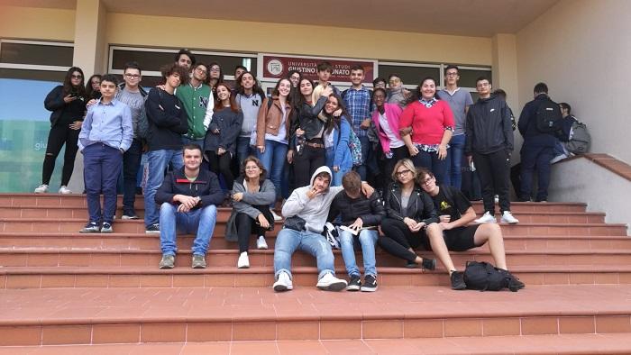 """Giornata Europea delle Lingue. Anche gli studenti liceali del """"De La Salle"""" hanno partecipato"""