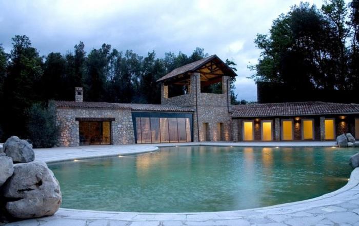 """""""Acquapetra Resort"""" sede della seconda edizione di una fiction richiamo per moltissimi turisti"""